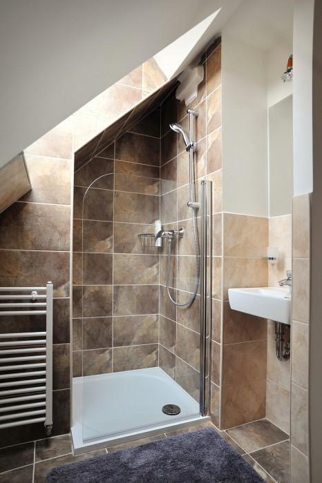 Sprchový kout v podkroví