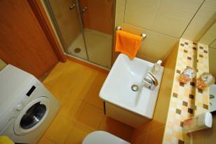 Sprchový kout v malé koupelně
